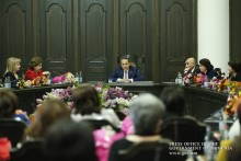PM Receives Women Community Heads and Female Members of Aldermen Councils