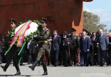ՀՀ ղեկավարությունն այցելեց Սարդարապատի հերոսամարտի հուշահամալիր