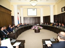 PM calls on competent authorities to be consistent in countering drug market abuses