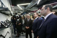 PM Visits Armenian Tablet Manufacturing Company