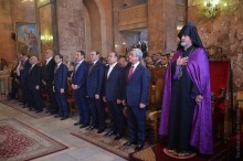 PRESIDENT SERZH SARGSYAN ATTENDS CANDLELIGHT DIVINE LITURGY