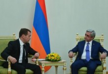 PRESIDENT SERZH SARGSYAN MET WITH THE CHAIRMAN OF THE GOVERNMENT OF RF DMITRI MEDVEDEV