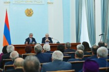 PRESIDENT SERZH SARGSYAN MET WITH THE MEMBERS OF THE PUBLIC COUNCIL