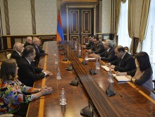 PRESIDENT RECEIVED A GROUP OF ARMENIAN-ARGENTINEAN BENEFACTORS