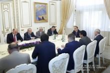 Под председательством Премьер-министра в Правительстве состоялось совещание
