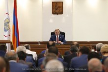Taron Margaryan: Those persons who collect fees for car parking must be brought to responsibility