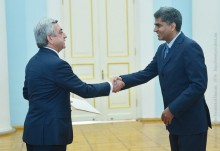 THE NEWLY APPOINTED AMBASSADOR OF INDIA PRESENTED HIS CREDENTIAL TO PRESIDENT SARGSYAN