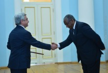 THE NEWLY APPOINTED AMBASSADOR OF ETHIOPIA PRESENTED HIS CREDENTIALS TO PRESIDENT SARGSYAN