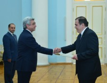 THE NEWLY APPOINTED AMBASSADOR OF GEORGIA IN ARMENIA GIORGI SAGANELIDZE PRESENTED HIS CREDENTIAL TO THE PRESIDENT