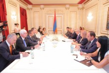 Galust Sahakyan Receives MPs from Bundestag