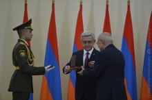 AWARD CEREMONY ON THE OCCASION OF THE 25TH ANNIVERSARY OF INDEPENDENCE TOOK PLACE AT THE PRESIDENTIAL PALACE