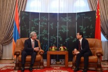 ON THE OCCASION OF THE NATIONAL DAY OF THE PRC PRESIDENT VISITED THE EMBASSY OF CHINA IN YEREVAN