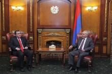 Г.Саакян принял новоназначенного посла Грузии в РА