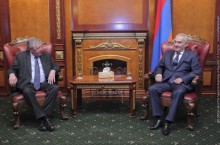 Galust Sahakyan Receives Deputy of the National Assembly of France François Rochebloine