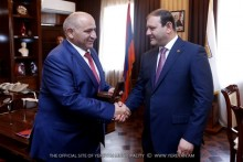 Yerevan Mayor Taron Margaryan meets with Stepanakert Mayor