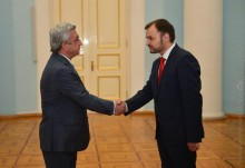 NEWLY APPOINTED AMBASSADOR OF MOLDOVA TO ARMENIA RUSLAN BOLBOCHAN HANDS CREDENTIALS TO THE PRESIDENT
