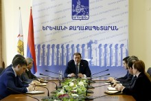 Work organization of paid car parking places has been discussed in Yerevan City Hall