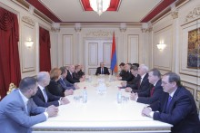 Galust Sahakyan Receives Delegation Led by Nikolay Ryzhkov