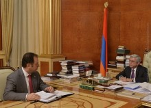 THE RA MINISTER OF DEFENSE REPORTED TO THE PRESIDENT OF ARMENIA ON THE COMMENCEMENT OF A NEW PROGRAM OF SOCIAL SUPPORT TO THE FAMILIES OF THE KILLED AND HANDICAP MILITARY SERVICEMEN
