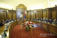 Премьер-министр указал на важность программ, направленных на качественные изменения в сфере ИТТ