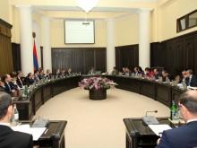 Премьер-министр РА Карен Карапетян подал заявление о вступлении в РПА