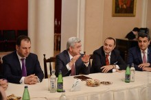 PRESIDENT MET WITH THE ARMENIAN DOCTORS AND STUDENTS RESIDING IN MOSCOW