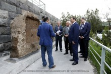 "Mayor Taron Margaryan familiarizes himself with restoration projects of historical and archaeological reserve-museum ""Erebuni"""