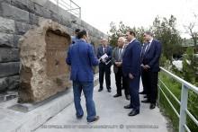 Мэр Тарон Маргарян ознакомился с проектами реставрационных работ историко-археологического музея-заповедника «Эребуни»