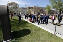 В парке, прилегающем к площади Республики, установлены еще 4 копии хачкаров