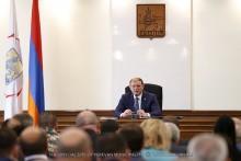 Мэр Еревана коснулся работ по озеленению и санитарной очистке