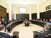 Премьер-министр РА: необходимы структурные и содержательные реформы в системе образования