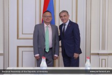Ara Babloyan Receives Ambassador of France to Armenia