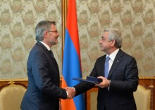 PRESIDENT RECEIVES DIETMAR NIETAN, MEMBER OF THE PRESIDIUM OF THE SOCIAL DEMOCRATIC PARTY OF GERMANY