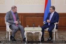 А.Баблоян принял посла Литвы в РА