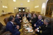 Նախագահը Ռուսաստանի պետական տոնի առթիվ շնորհավորել է ՌԴ բարձրագույն ղեկավարությանը, այցելել նաեվ ՀՀ-ում ՌԴ դեսպանատուն