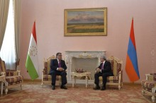 Նախագահի նստավայրում տեղի է ունեցել Տաջիկստանի նախագահի դիմավորման պաշտոնական արարողությունը
