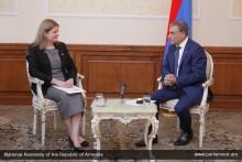 Ara Babloyan Receives UK Ambassador to Republic of Armenia