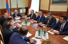 Նախագահը խորհրդակցություն է անցկացրել հայ-հնդկական տնտեսական համագործակցության օրակարգի հարցերի շուրջ