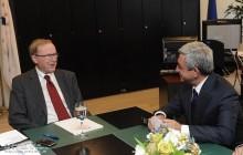 Սերժ Սարգսյանը Բրյուսելում հանդիպում է ունեցել ԵԺԿ նախագահ Վիլֆրիդ Մարտենսի հետ