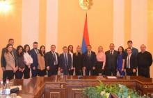 Եդինայա Ռոսիա կուսակցության երիտասարդական կազմակերպության անդամներին ընդունել է ԱԺ նախագահը