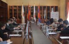 Եդինայա Ռոսիա կուսակցության ԵԿ անդամները հանդիպել են քաղաքագետ Ալեքսանդր Իսկանդարյանի հետ