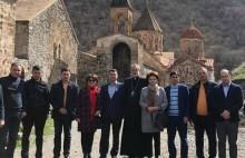 Խորհրդանշական համընկնում. ՀՀԿ-ականները Արցախ այցը մեկնարկեցին Դադիվանքում՝ մոմավառությամբ
