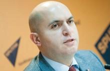 «Ադրբեջանական դիվանագիտական, քաղաքական եւ տեղեկատվական պատերազմով ո՞վ պիտի զբաղվի». Արմեն Աշոտյան