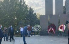 Serzh Sargsyan pays homage to perished soldiers