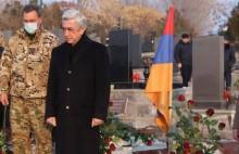 Serzh Sargsyan Visits Yerablur Pantheon