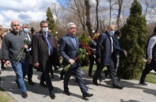 Serzh Sargsyan paid tribute to the memory of Andranik Margarian