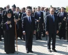 Նախագահ Սերժ Սարգսյանն այցելել է «Եռաբլուր» զինվորական պանթեոն