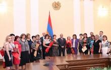 ՀՀ ԱԺ նախագահ Հովիկ Աբրահամյանը պարգեւատրեց մանկավարժների