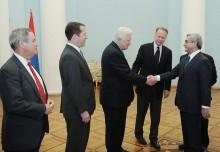 Նախագահ Սերժ Սարգսյանն ընդունել է ԱՄՆ կոնգրեսականների պատվիրակությանը