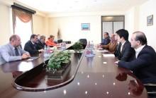 Երևանի քաղաքապետը հանդիպել է <<Հյունդայի>> ընկերության ներկայացուցիչների հետ: